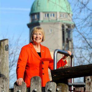 Auf Anregung der CDU-Stadträtin Marianne Seitz wird der Schulhof der Seckenheimschule für 840.000 € saniert und attraktiviert